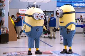 S03E01-Minion suits