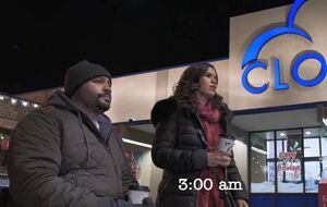S02E09-Amy and Garrett outside