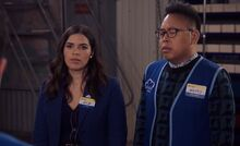S04E22-Amy nametag Aylin warehouse Mateo