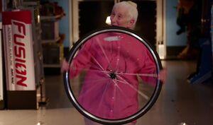 S01E09-Myrtle bike tire