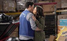 S03E20-Amy Jonah kiss