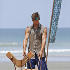 Jon competing at the first individual Immunity Challenge.