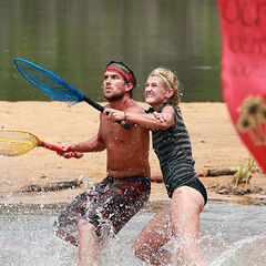 Sierra and J.T. compete in the Immunity Challenge