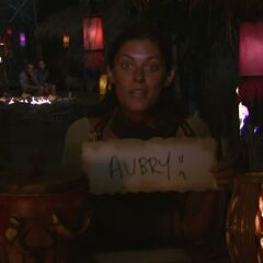 Michele votes against Aubry.