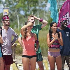The new Bayon tribe wins immunity.