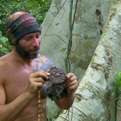 Tony finds his third Hidden Immunity Idol.