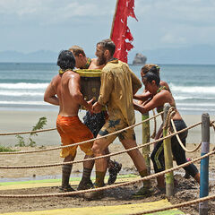 Masaya competing in the third Immunity Challenge.