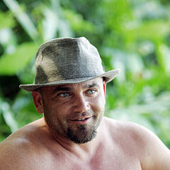 Russell as a member of Foa Foa.
