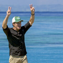 Jeff declares Ashley's victory.