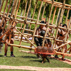 Lairo competes in the sixth Immunity Challenge, <i>Cage Against the Machine</i>.