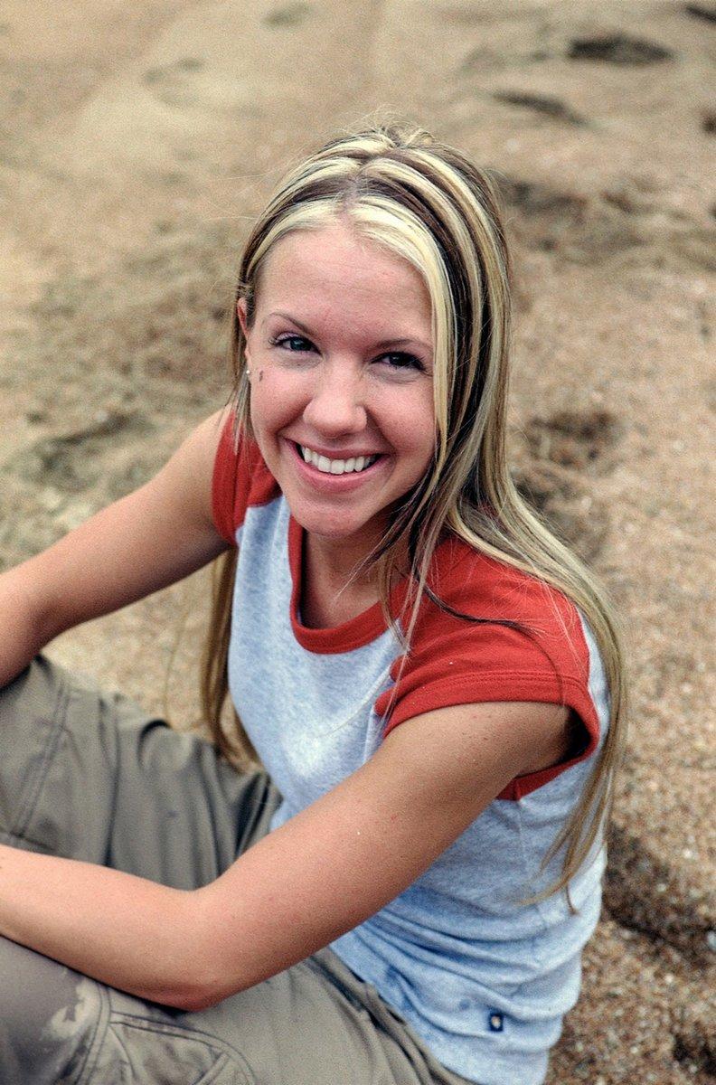 Neleh Dennis | Survivor Wiki | FANDOM powered by Wikia
