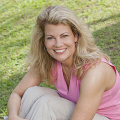 Lisa's alternate cast photo.