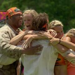 Gota wins the first Immunity Challenge.