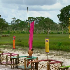 Keith and Joe competing for the men's individual immunity.