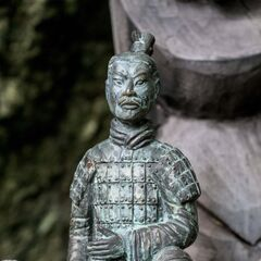 <i>Survivor: China</i> Immunity Idol, a terracotta warrior.