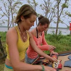 Ami and Crissy competing at the Immunity Challenge on <a href=