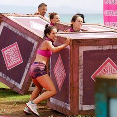 Samatau lifts crates at the first Immunity Challenge.