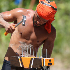 Juan Carlos competing for Pudientes in the tenth Advantage and Punishment Challenge.