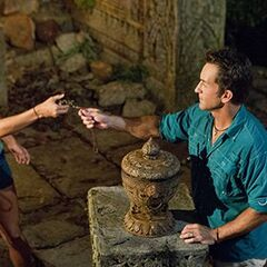 Kelley uses her first Hidden Immunity Idol.