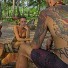 Tai shows his Hidden Immunity Idol to Anna and <a href=