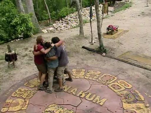 File:Survivor.Guatemala.s11e07.Surprise.Enemy.Visit.PDTV 372.jpg