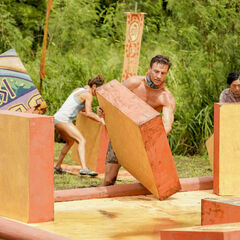 Lairo competes in the seventh Immunity Challenge, <i><a href=