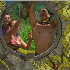Peih-Gee and Woo compete in the Immunity Challenge, <i><a href=