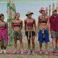 The final five at their Immunity Challenge.