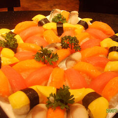 Assorted Western sushi (盛り合わせ).