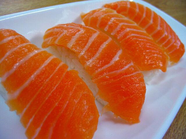 File:Salmon nigiri (鮭握り).jpg
