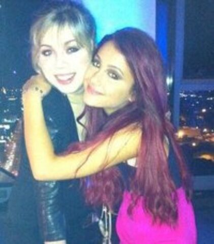 File:Ariana-Grande-and-Jennette-McCurdy-ariana-grande-32339969-500-570.jpg