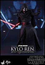Kylo Ren Hot Toys 03
