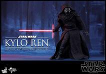 Kylo Ren Hot Toys 05
