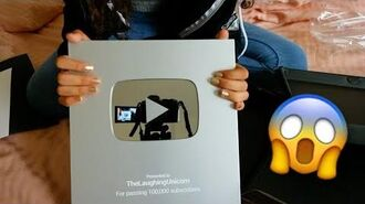 UNBOXING MY PLAY BUTTON!!