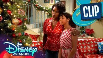 Sydney's Christmas Flashback 🎁 Sydney to the Max Disney Channel