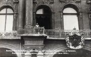 Nicholas II declaring war on Germany from the balcony of the Winter Palace.jpeg