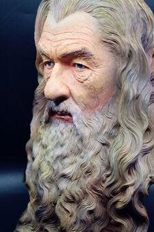 Wysokiej-Jako-ci-Pier-cienie-The-Hobbit-Gandalf-ywicy-Biust-Statua-Rze-by-Kolor-Malowane-Rysunek