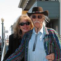 Gayle und Dennis Lynds