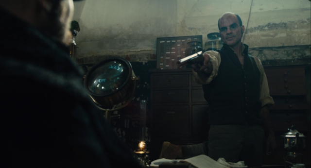 File:Taboo-Caps-1x02-Dumbarton-Pointing-Gun-James.png