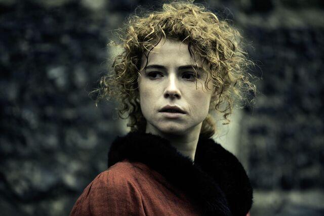 File:Taboo-Stills-S1E04-BBC-Lorna-Bow.jpg