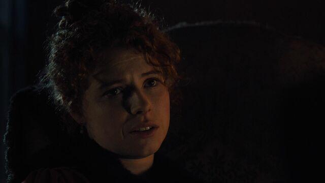 File:Taboo-Caps-1x02-19-Lorna-Bow.jpg