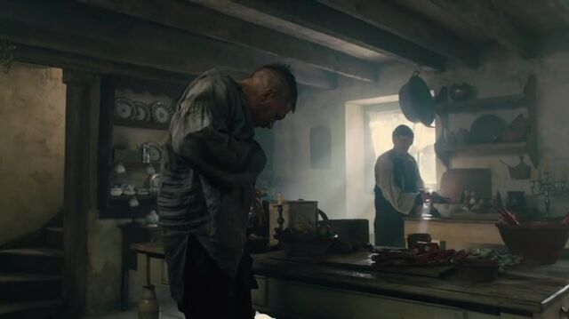 File:Taboo-Caps-1x03-06-James-kitchen-Brace.jpg