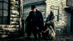 Taboo-Still-S1E08-08-James-Atticus-Rescue-Cholmondeley