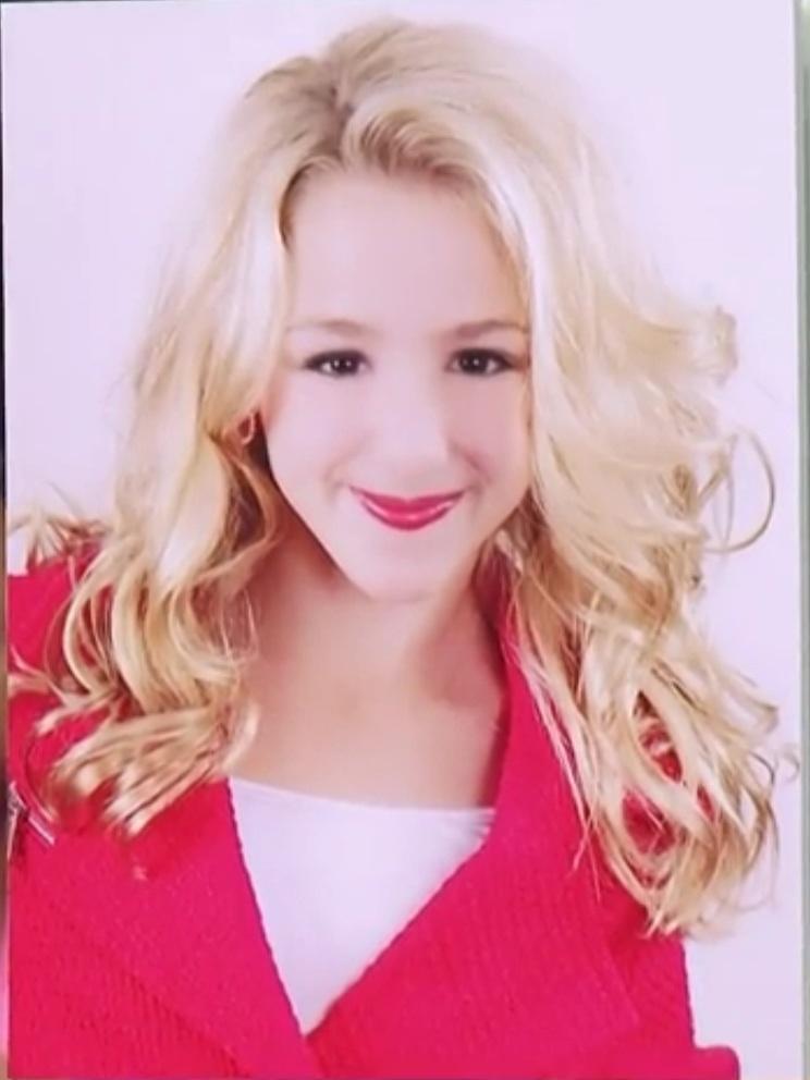 Chloe lukasiak talented dancers wiki fandom powered by wikia chloe lukasiak m4hsunfo