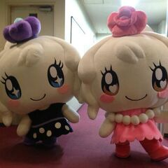 Official mascot costumes of Miraitchi and Clulutchi.