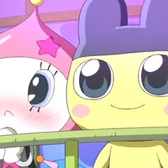 Mametchi watching fireworks with Himespetchi