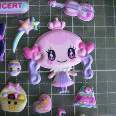 Evolved version of My Friend that appears in the 10th Tamamori refill stickers, Spring Concert set.