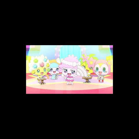 The Pretty Princesses performing