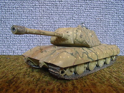 800px-Panzer E-100 (Modell)