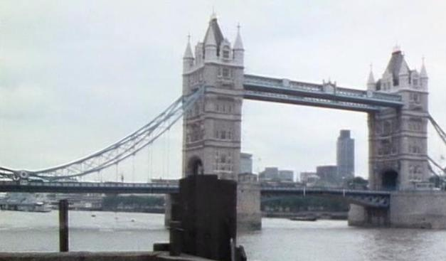File:Tower Bridge.jpg
